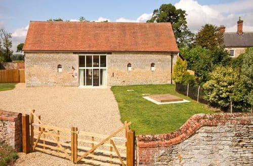 Last Minute Cottages - Attractive Sleaford Barn S2339