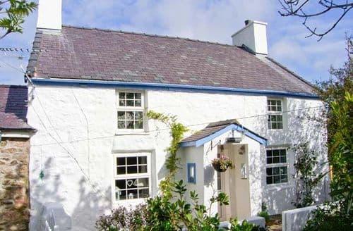 Last Minute Cottages - Inviting Llanerchymedd Mynydd S5422
