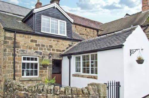 Dog Friendly Cottages - Beautiful Matlock House S3758