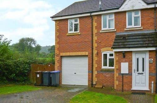 Last Minute Cottages - Inviting Stoke On Trent View S3916