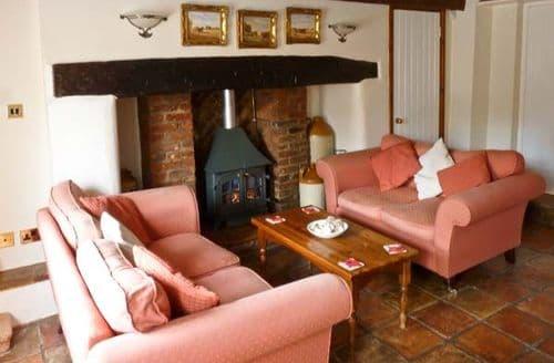 Last Minute Cottages - Gorgeous Fakenham Cottage S2536