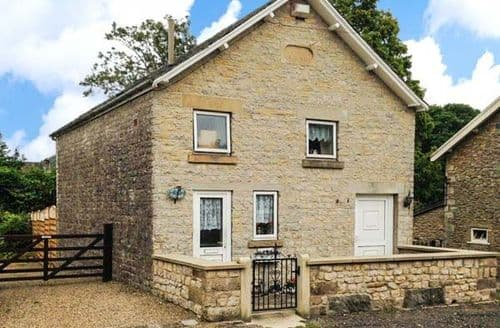 Last Minute Cottages - Cosy York Cottage S3957
