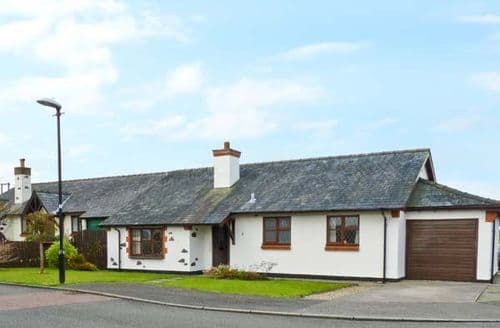 Last Minute Cottages - Excellent Gaerwen Beudy S5778