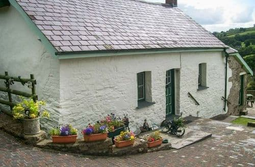 Big Cottages - Attractive Carmarthen Farm S5801
