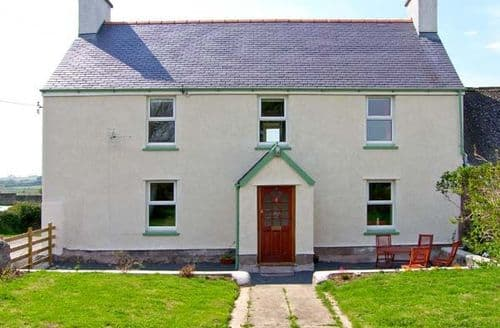 Big Cottages - Wonderful Llanfairpwllgwyngyll Rental S5803