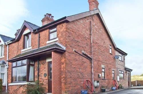 Last Minute Cottages - Gorgeous Stoke On Trent Cottage S4043
