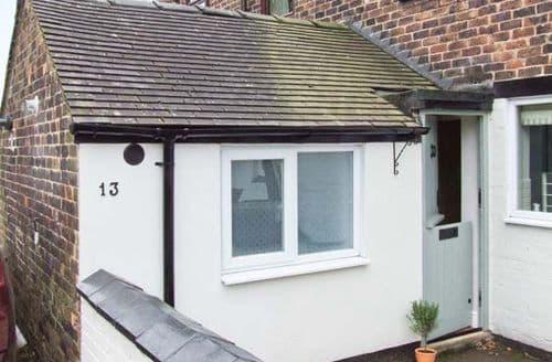 Last Minute Cottages - Lovely Stoke On Trent Cottage S4136