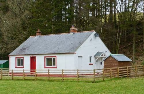 Last Minute Cottages - Tasteful Langholm Cottage S5966