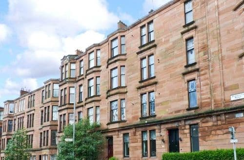 Last Minute Cottages - Tasteful Glasgow Apartment S6009