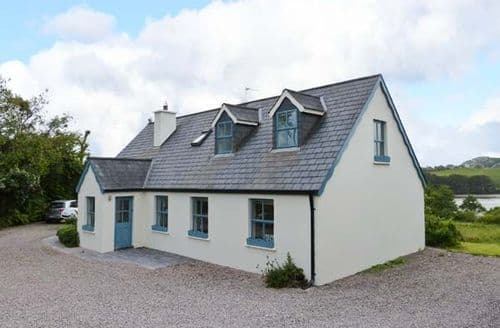 Last Minute Cottages - Superb  Court S6069