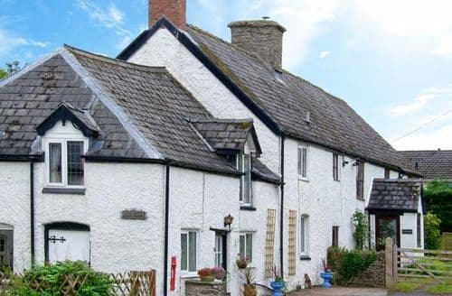 Last Minute Cottages - Adorable Builth Wells House S6213