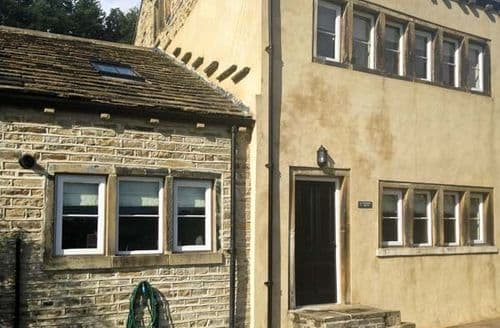 Big Cottages - Gorgeous Huddersfield Royd S4344
