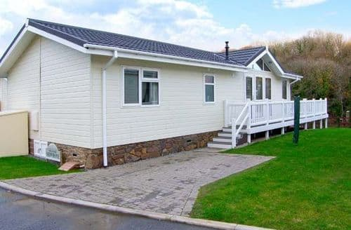 Last Minute Cottages - Exquisite Narberth Lodge S13343
