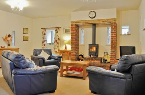 Last Minute Cottages - YARCHESTER BARN 1