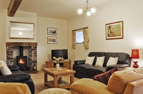 Last Minute Cottages - YARCHESTER BARN 2
