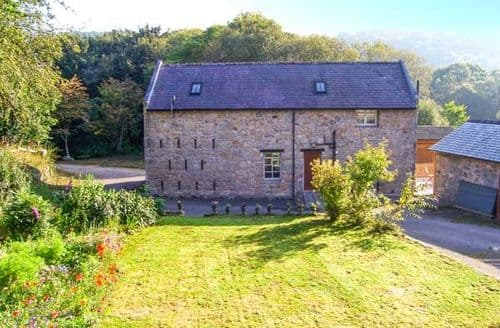 Last Minute Cottages - Captivating Wrexham Granary S6435