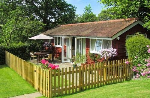 Last Minute Cottages - Nook Lodge