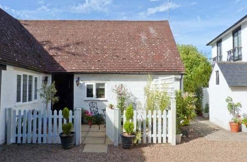 Last Minute Cottages - Edgewood House Cottage