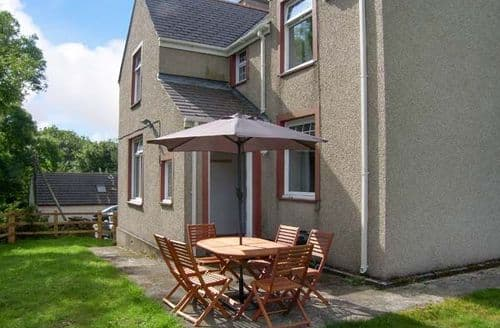 Last Minute Cottages - Superb Tynygongl Cottage S6984