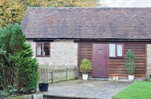 Last Minute Cottages - GLEBE BARN