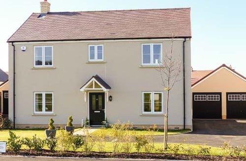 Last Minute Cottages - Superb Alderton Cottage S43126