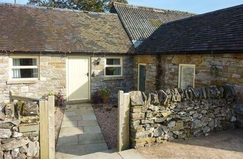 Last Minute Cottages - Wayward Cottage