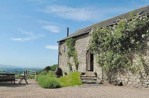 Last Minute Cottages - ASH BARN