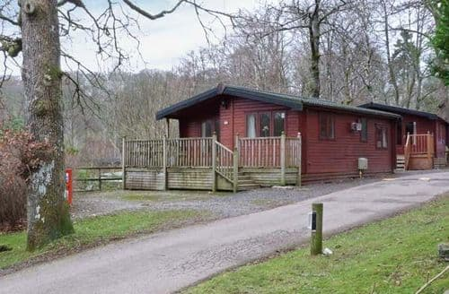 Last Minute Cottages - Wonderful Troutbeck Bridge Lodge S71473