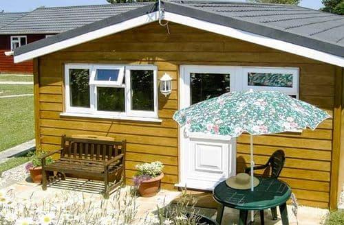 Last Minute Cottages - Little Oak