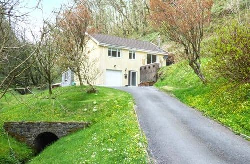 Last Minute Cottages - Captivating Laugharne Lodge S26344