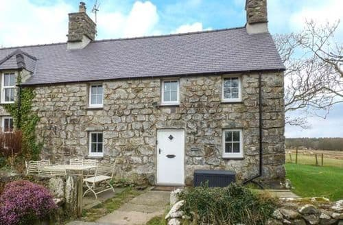 Last Minute Cottages - Y Bwthyn Ty Du