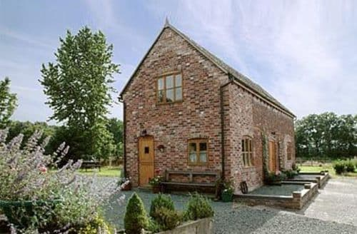 Last Minute Cottages - WOODHOUSE BARN