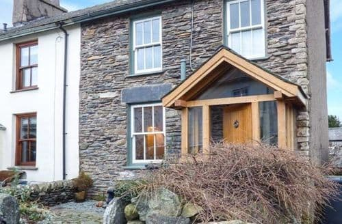 Last Minute Cottages - Cosy Staveley Cottage S43645