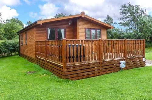 Last Minute Cottages - Luxury Tewitfield Lodge S40949