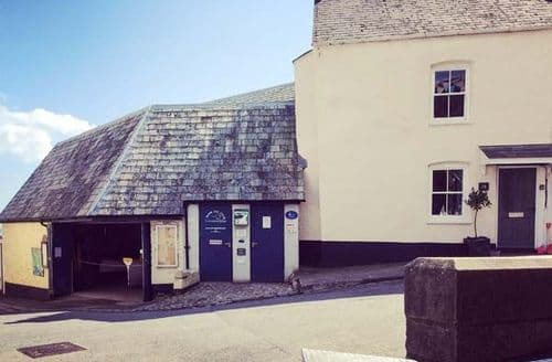 Last Minute Cottages - Charming Cawsand Cottage S44421