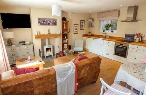 Last Minute Cottages - Puddle Duck Cottage