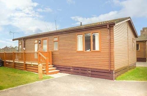 Last Minute Cottages - Tasteful Tattershall Lodge S42490