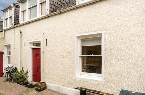 Big Cottages - Wonderful Gardenstown Cottage S43578