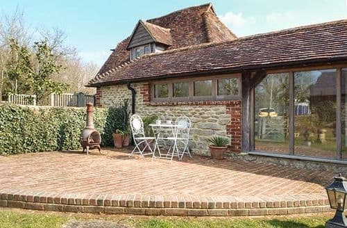 Last Minute Cottages - Lovely Coolham Cottage S46073