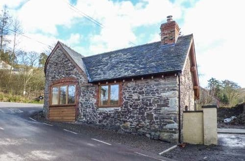Last Minute Cottages - Delightful Ratlinghope Cottage S45110