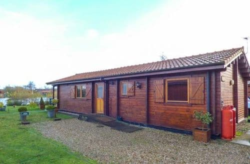 Last Minute Cottages - Adorable Tattershall Lodge S43106