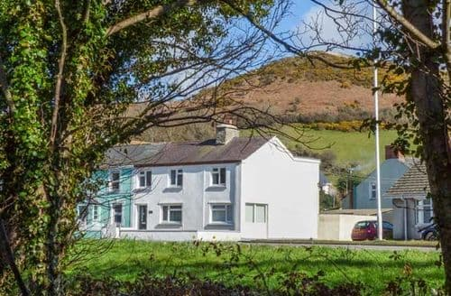Last Minute Cottages - Luxury Llanrhystyd Cottage S45212