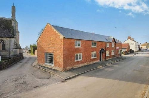 Big Cottages - Inviting Bradenstoke Cottage S78051