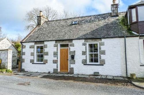 Last Minute Cottages - Larchbank Cottage