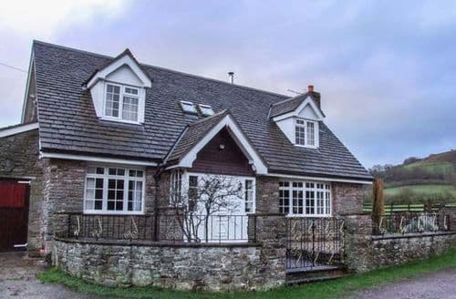 Big Cottages - Tasteful Hay On Wye Cottage S44340
