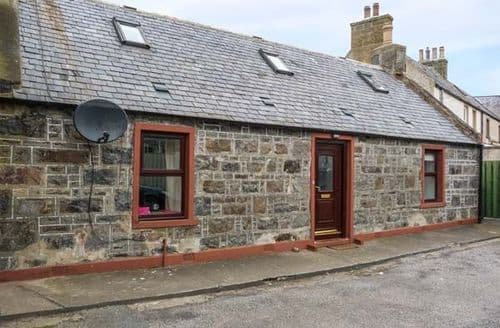Big Cottages - Cosy Whitehills Cottage S57542