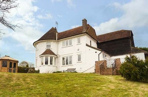 Dog Friendly Cottages - Delightful Hastings Cottage S46063