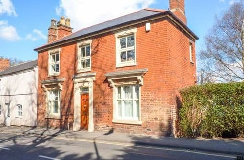 Dog Friendly Cottages - Superb Melton Mowbray Apartment S49713