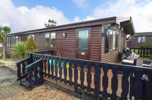 Last Minute Cottages - Exquisite Milford On Sea Lodge S49714
