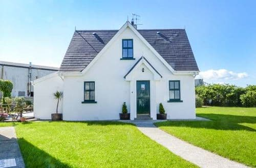 Big Cottages - Captivating New Ross Cottage S60000